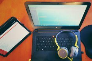 bolgging 300x200 - 5 Best WordPress Plugins for Bloggers